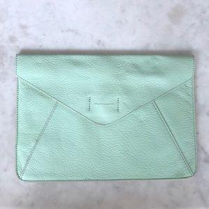 NWT✨Gap leather envelope clutch